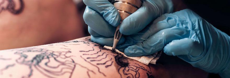 Se faire tatouer